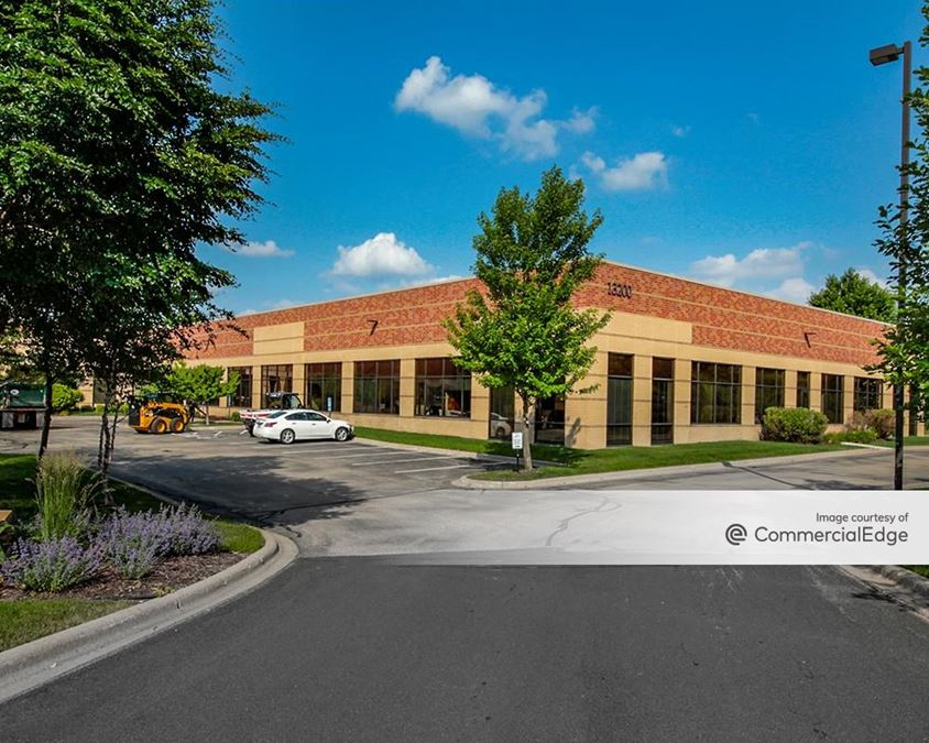 Staring Lake Corporate Center - 13200 Pioneer Trail