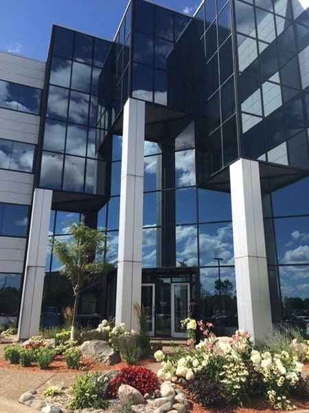 Northtown Financial Plaza - Coon Rapids