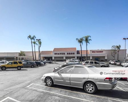 Seritage Shopping Center - Riverside