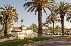 Pavilion West Mall - Fresno