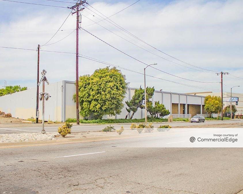 7959 Paramount Blvd
