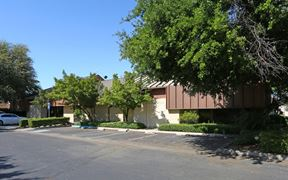 Professional Office Spaces Near Figarden Loop - Fresno