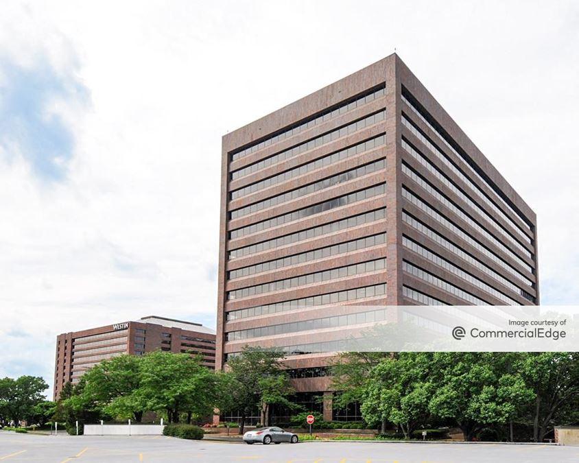 Hamilton Lakes Business Park - 500 Park Blvd