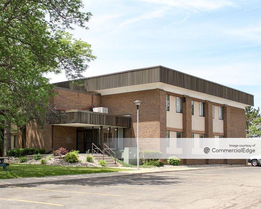 Holiday Office Park - 920, 940, 1000 & 1020 Long Blvd