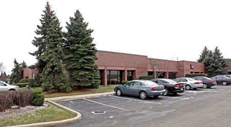 Triangle Corporate Center - Elk Grove Village