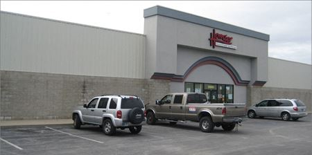 Excellent Retail/Office Location - Huntington