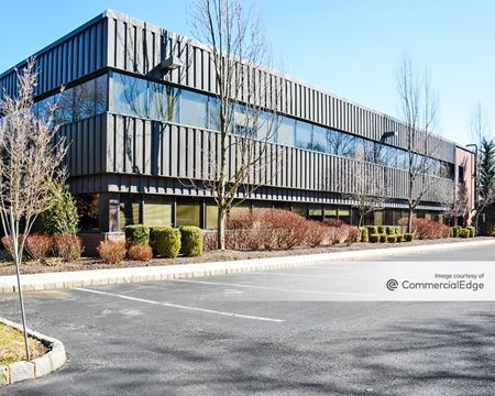 Mount Bethel Corporate Center - 35 Technology Drive - Warren