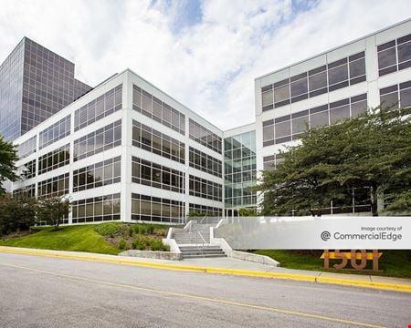 Schaumburg Corporate Center - 1501 East Woodfield Road - Schaumburg