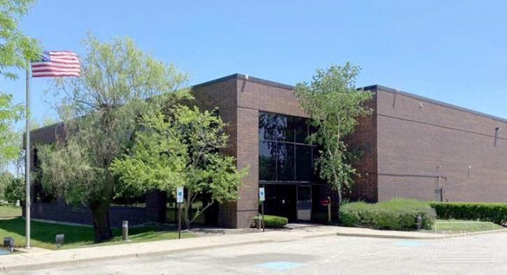 Unique 30,560 SF building for sale or lease in Lincolnshire, IL