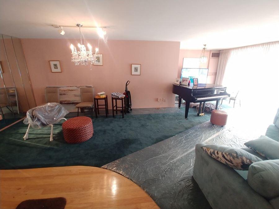 3000 Farnam St. Suite #7H