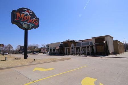 Former MoJo's Bar & Grill - Stillwater