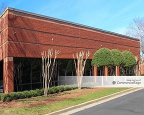 Lakeside at Spalding Triangle - 5405 Metric Place - Peachtree Corners