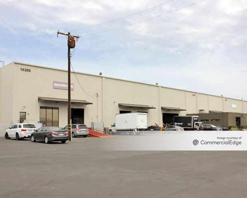 Voit La Mirada Distribution Center - 14325-14381 Industry Circle