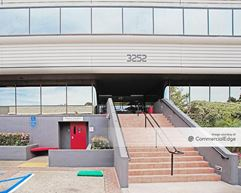 La Jolla Corporate Center - San Diego