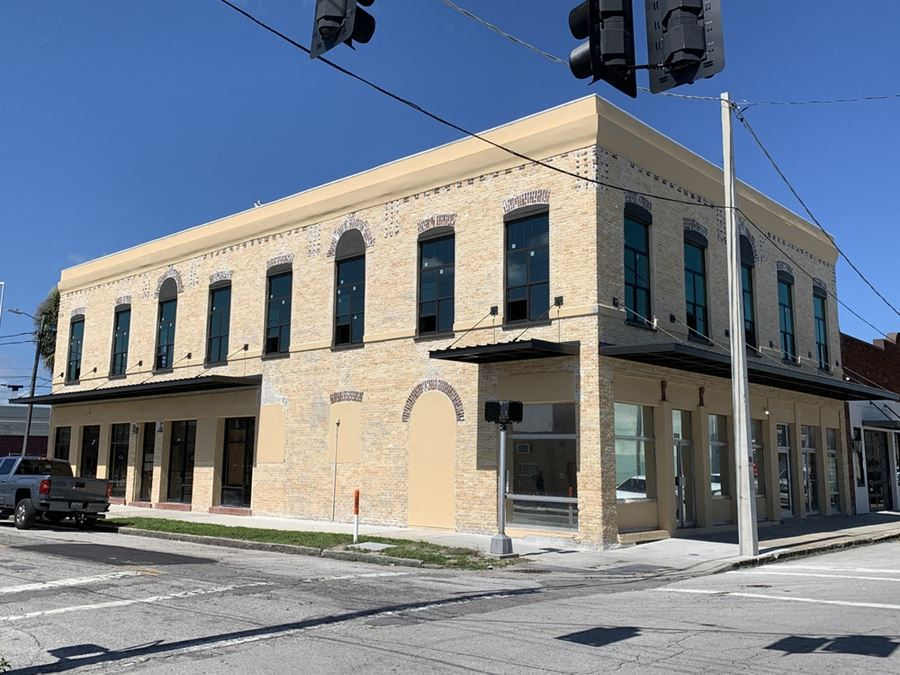 Beautifully Restored West Tampa Office / Retail
