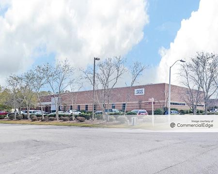 5500 Business Drive - Wilmington
