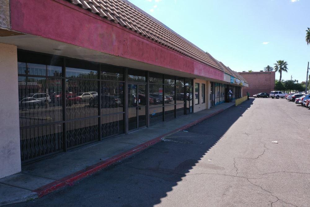 Checker Auto Plaza