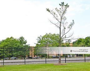 2 Peach Tree Hill Road