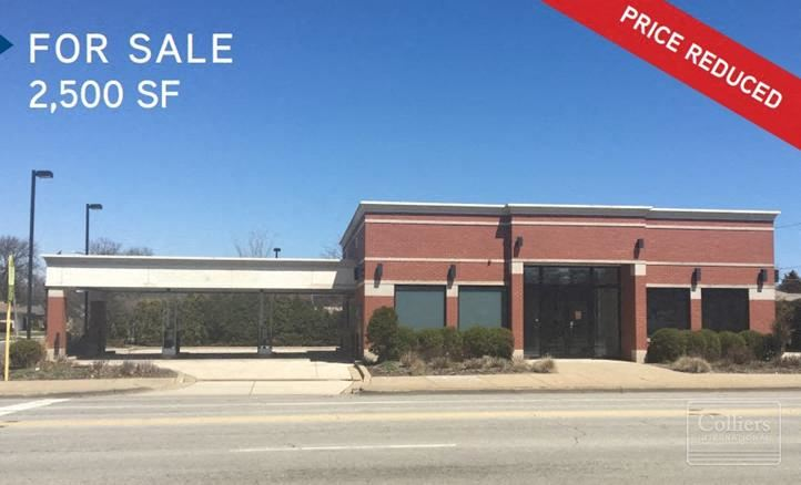 2,500 SF Freestanding Retail Building For Sale in Lyons, IL