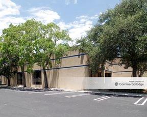 13526 Nacogdoches Road - San Antonio