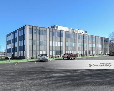 Russel Court Office Plaza - Woodstock