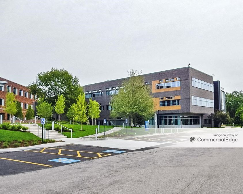 Hobbs Brook Office Park - 610 Lincoln Street North