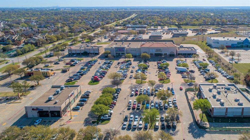 Cooper Oaks Crossing Shopping Center