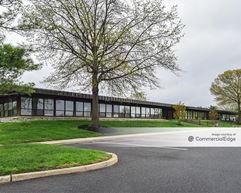 Laurel Oak Corporate Center - Voorhees