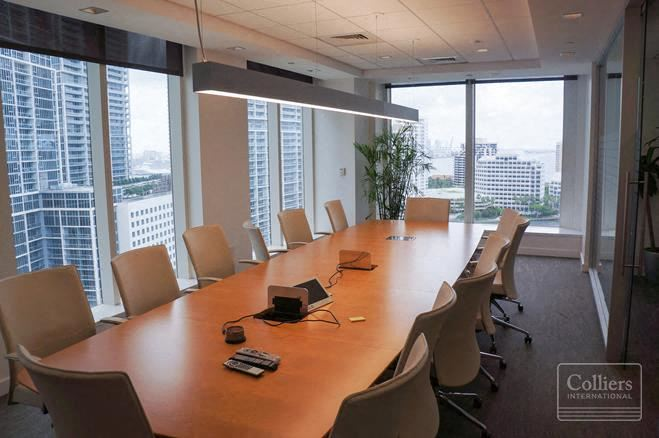 600 Brickell | Office Space for Sublease