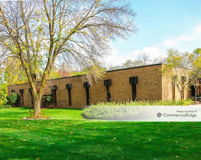 Bishop's Woods Office Park - 200 Bishops Way