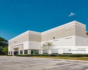 World Houston International Business Center - Buildings 19 & 20