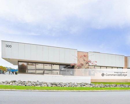 Cross Westchester Executive Park - 300, 350, 400 & 500 Executive Blvd - Elmsford
