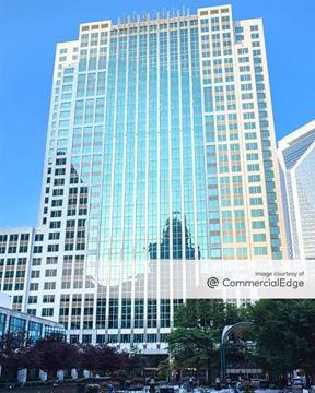 Three Wells Fargo Center - Charlotte