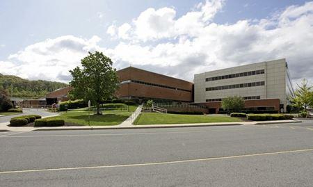 StonePointe Corporate Center - Reading