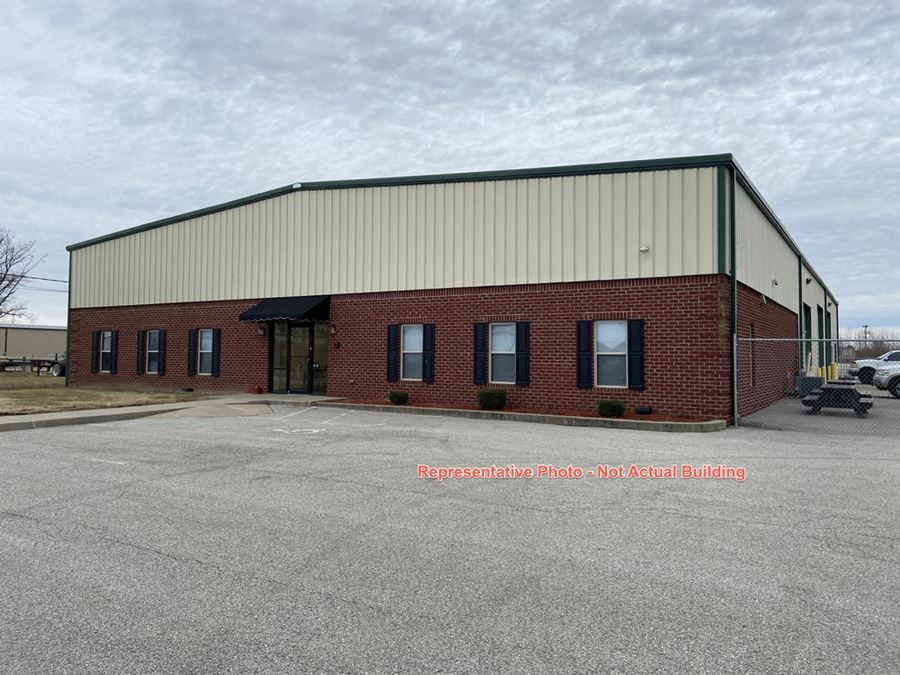 8,700 sf Office/Warehouse for Lease Across from Hospital