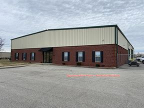 8,700 sf Office/Warehouse for Lease Across from Hospital - Owensboro