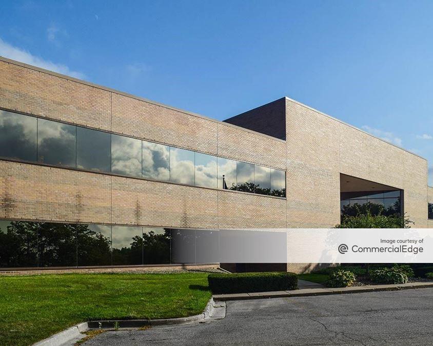 Bridge Pointe Office Park - 3950 Sparks Drive SE