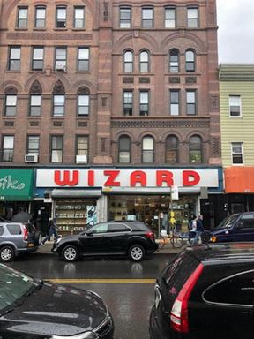 735 Manhattan Avenue